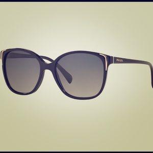 🕶👀Timeless Authentic Black Prada Sunglasses👀🕶